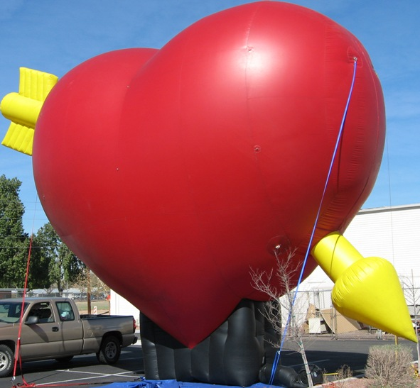 custom heart shape giant cold-air inflatable